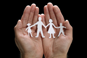 Follow these tips to strengthen your family bonds. (photo credit: BigStockPhoto.com)