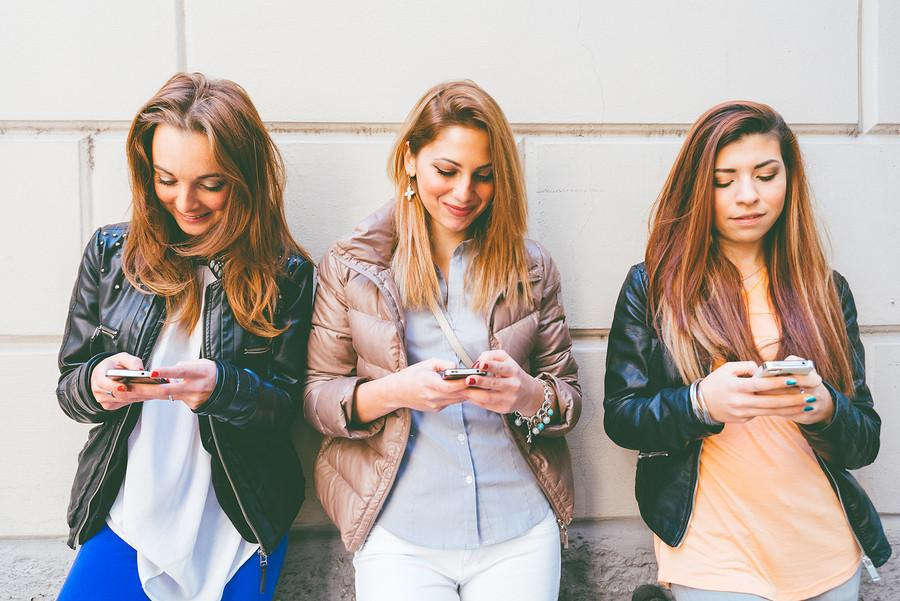 "Smart Phone ""Addiction"": A Disturbing New Trend in Teens and Young Adults"